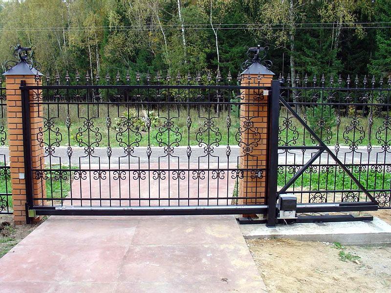 Дачные ворота для экономных людей: нюансы и полезные рекомендации